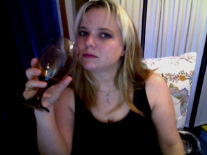 amber me webcam drinking