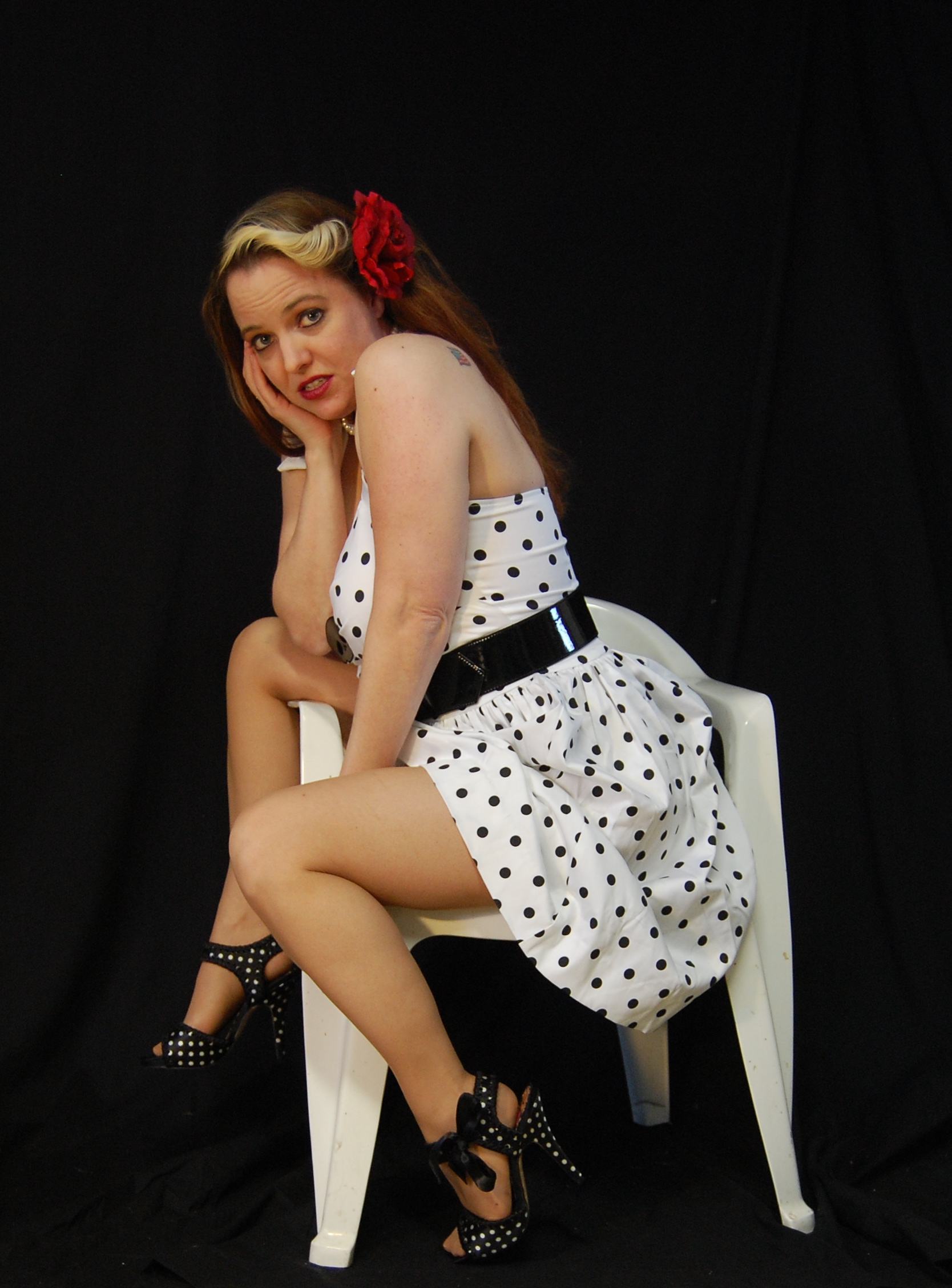 2010 Fife pinup white dress 0544