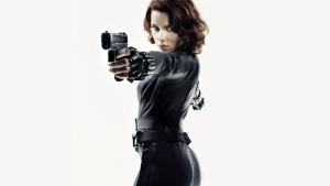 black-widow-scarlett-johansson-768x1366