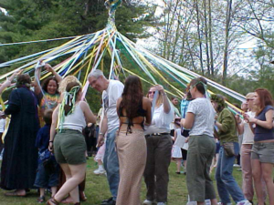 may pole weaving 2004